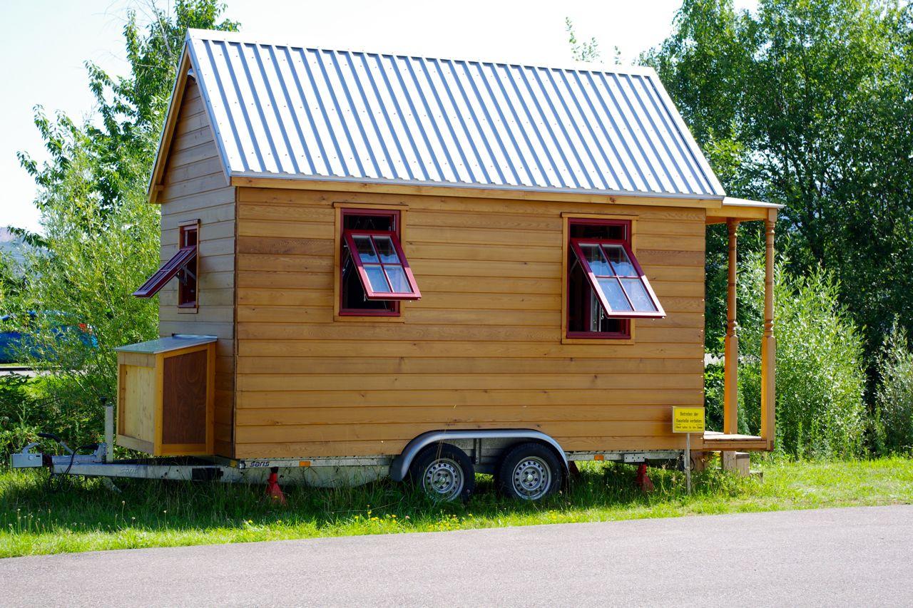das kleinste wohnhaus deutschlands dach und wand zeven. Black Bedroom Furniture Sets. Home Design Ideas